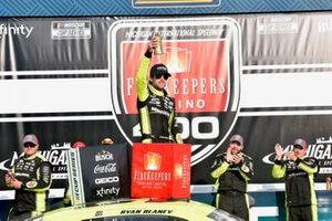 Race winner Ryan Blaney, Team Penske, Ford Mustang