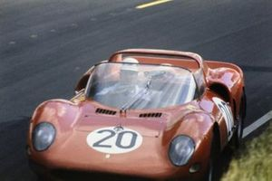 Mike Parkes, Jean Guichet, SpA Ferrari SEFAC, Ferrari 330 P2 Spyder