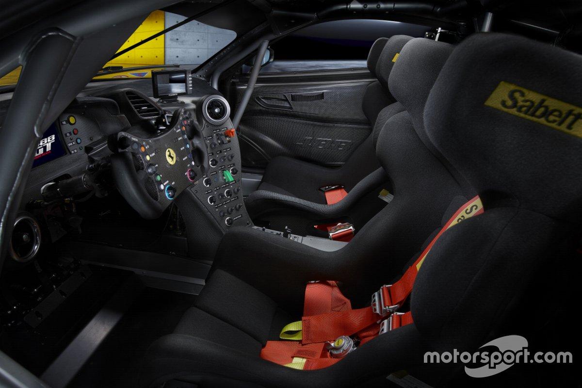 Gli interni dell Ferrari 488 GT Modificata
