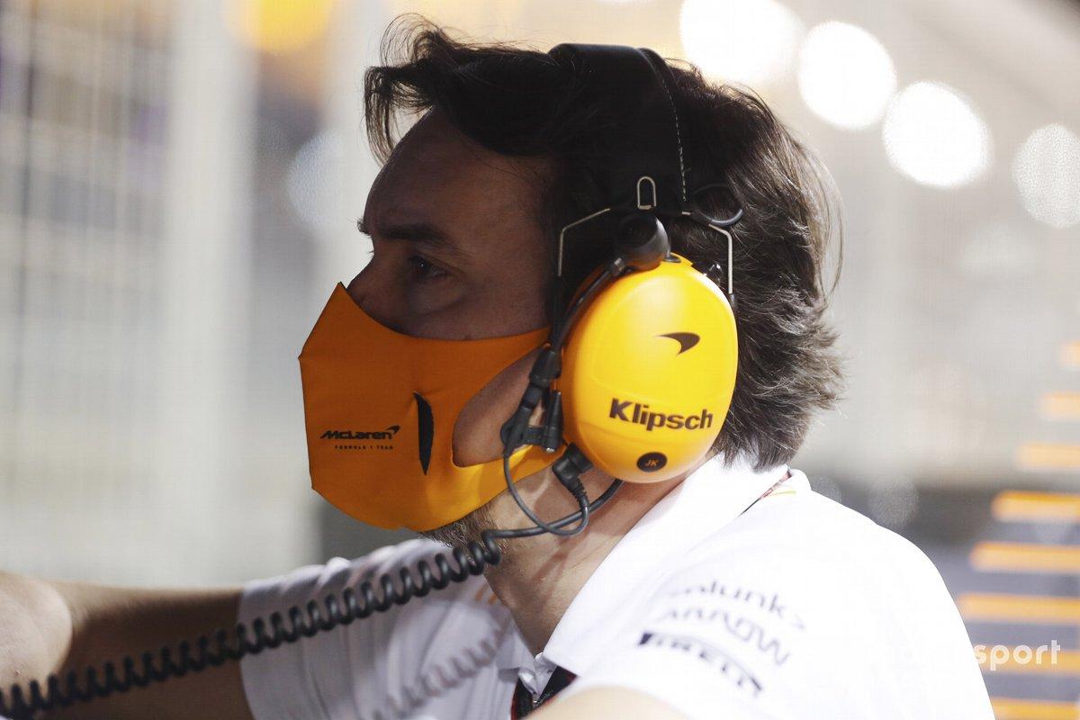 James Key, Direttore Tecnico, McLaren, al muretto dei box
