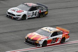 Bubba Wallace, 23XI Racing, Toyota Camry McDonalds, Michael McDowell, Front Row Motorsports, Ford Mustang Fr8Auctions