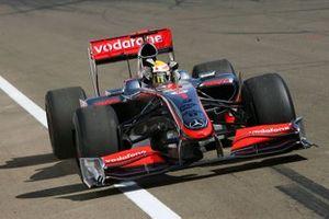 Yarış galibi Lewis Hamilton, McLaren MP4-24
