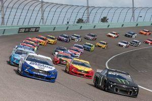 Brad Keselowski, Team Penske, Ford Mustang Dent Wizard, Kurt Busch, Chip Ganassi Racing, Chevrolet Camaro Monster Energy