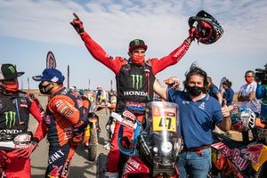 Winner #47 Monster Energy Honda Team: Kevin Benavides with David Castera, Director of the Dakar Rally