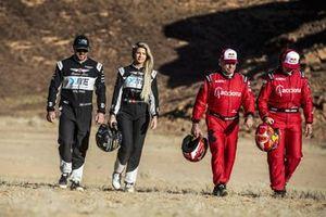 Oliver Bennett, Hispano Suiza Xite Energy Team, Christine Giampaoli Zonca, Hispano Suiza Xite Energy Team, Carlos Sainz, Sainz XE Team, and Laia Sanz, Acciona | Sainz XE Team