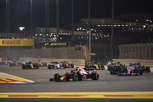 Max Verstappen, Red Bull Racing RB16, Sergio Perez, Racing Point RP20, Valtteri Bottas, Mercedes F1 W11 and Alex Albon, Red Bull Racing RB16