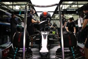George Russell, Mercedes-AMG F1, settles into his seat