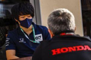 Yuki Tsunoda, AlphaTauri Test Driver, with Masashi Yamamoto, General Manager, Honda Motorsport