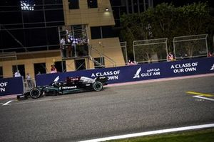 Lewis Hamilton, Mercedes W12, 1st position, takes the chequered flag