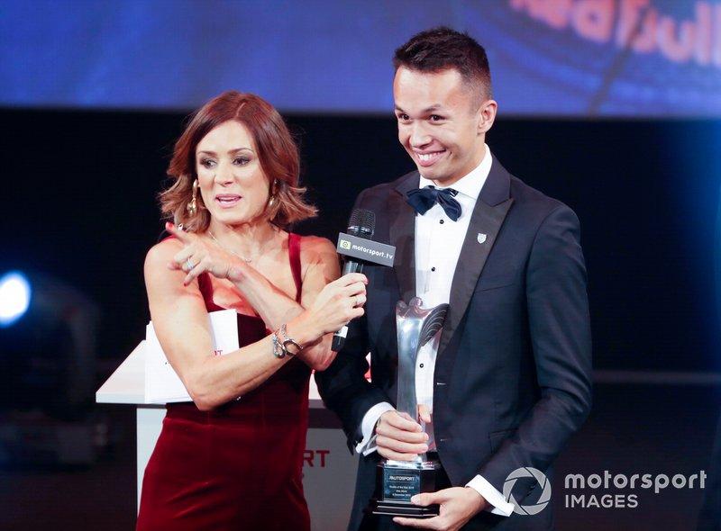 Alexander Albon, Red Bull Racing, gana el premio al Novato del Año