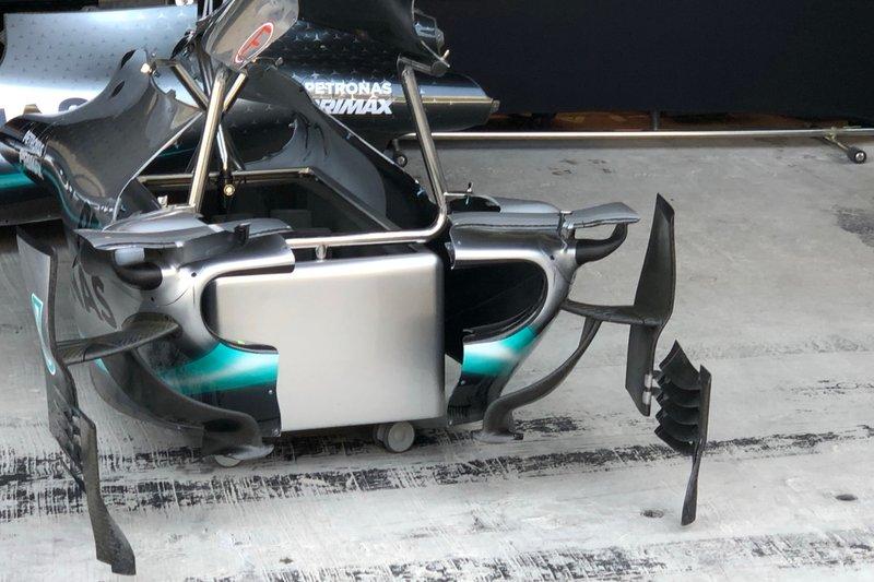 Mercedes AMG F1 W10, carrocería