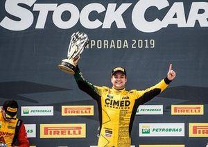 Felipe Fraga comemora vitória em Cascavel