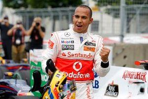 Ganador de la pole Lewis Hamilton, McLaren