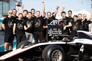 ART Grand Prix viert de Formule 2-titel van Nyck De Vries