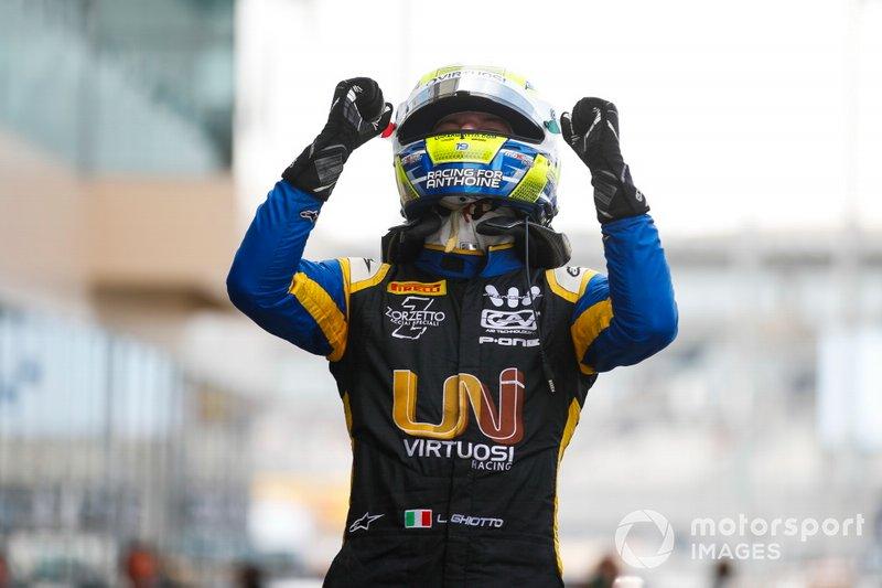 Luca Ghiotto, UNI Virtuosi Racing, festeggia la vittoria al parc ferme