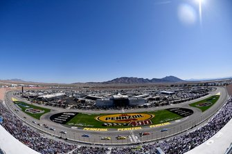 Joey Logano, Team Penske, Ford Mustang Pennzoil, Ryan Blaney, Team Penske, Ford Mustang Menards/Pennzoil, Pennzoil Activation