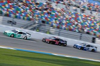 Brad Keselowski, Team Penske, Ford Mustang MoneyLion Clint Bowyer, Stewart-Haas Racing, Ford Mustang Mobil 1