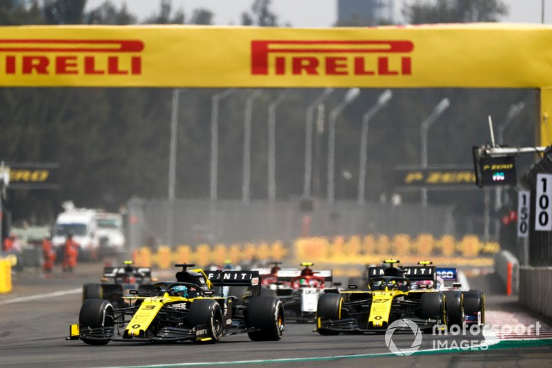 Даниэль Риккардо и Нико Хюлькенберг, Renault Sport F1 Team R.S.19, Антонио Джовинацци, Alfa Romeo Racing C38