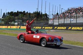 Charles Leclerc, Ferrari, durante la drivers parade