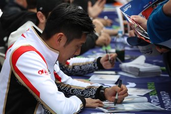 #37 Jackie Chan DC Racing Oreca 07: Ho-Pin Tung