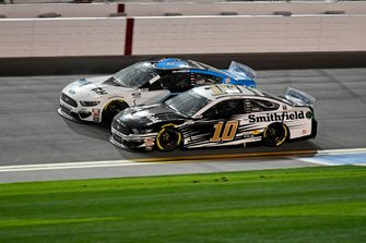 Aric Almirola, Stewart-Haas Racing, Ford Mustang Smithfield, Ryan Newman, Roush Fenway Racing, Ford Mustang Koch Industries
