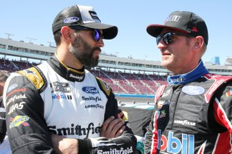 \c10 and Clint Bowyer, Stewart-Haas Racing, Ford Mustang Mobil 1 / HAAS CNC