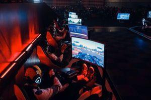Финал китайского чемпионата по виртуальным гонкам Формулы 1