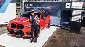 Marc Márquez, con el BMW X4 m Competition
