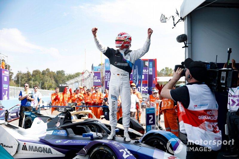 Ganador de la carrera Maximilian Günther, BMW I Andretti Motorsports, BMW iFE.20