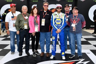 Chase Elliott, Hendrick Motorsports, Chevrolet Camaro NAPA Night Vision wins the pole