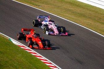 Charles Leclerc, Ferrari SF90, precede Lance Stroll, Racing Point RP19