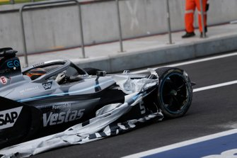 Stoffel Vandoorne, Mercedes Benz EQ, EQ Silver Arrow 01 comes into the pit lane with part of an advertising banner caught in the tyre
