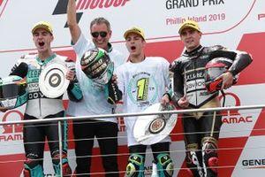 Podio: ganador Lorenzo Dalla Porta Leopard Racing, segundo clasificado Marcos Ramírez, Leopard Racing, tercer clasificado Albert Arenas, equipo Ángel Nieto.
