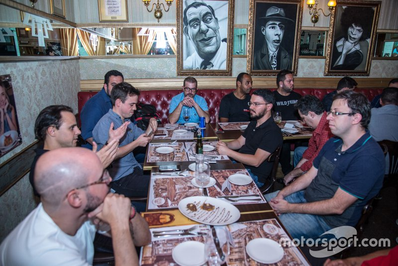 Felipe Massa com jornalistas