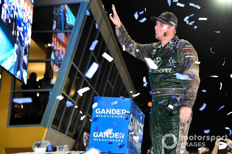 Ganador Austin Hill, Hattori Racing Enterprises, Toyota Tundra Chiba Toyopet