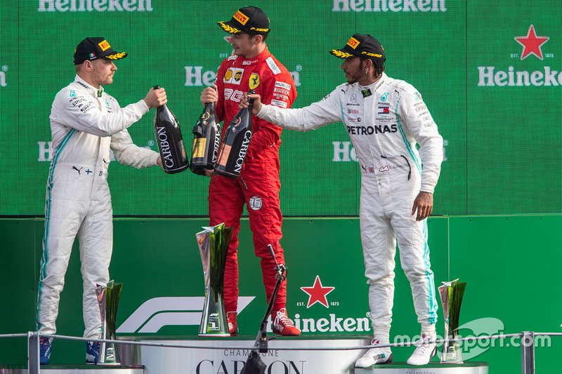 Podio: il vincitore della gara Charles Leclerc, Ferrari, secondo classificato Valtteri Bottas, Mercedes AMG F1, terzo classificato Lewis Hamilton, Mercedes AMG F1