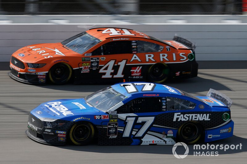 Ricky Stenhouse Jr., Roush Fenway Racing, Ford Mustang Fastenal Daniel Suarez, Stewart-Haas Racing, Ford Mustang ARRIS