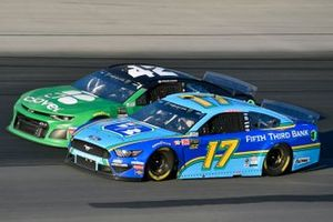 Ricky Stenhouse Jr., Roush Fenway Racing, Ford Mustang Fifth Third Bank and Kyle Larson, Chip Ganassi Racing, Chevrolet Camaro Clover