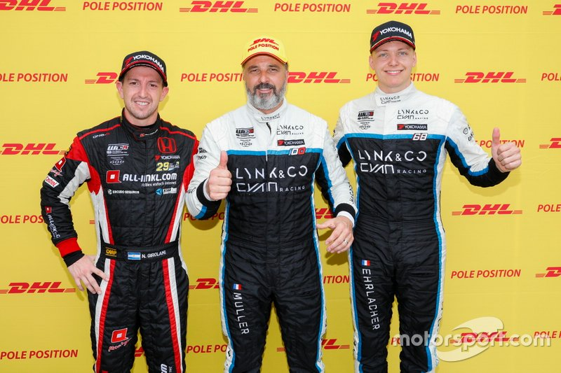 Pole sitter Yvan Muller, Cyan Racing Lynk & Co 03 TCR, Néstor Girolami, ALL-INKL.COM Münnich Motorsport Honda Civic Type R TCR, Yann Ehrlacher, Cyan Performance Lynk & Co 03 TCR