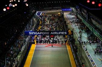 The pre race grid