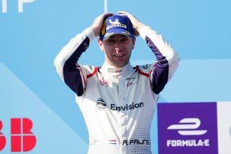 Race winner Robin Frijns, Envision Virgin Racing on the podium