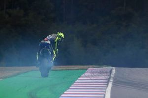 Valentino Rossi, Yamaha Factory Racing, con problemi al motore