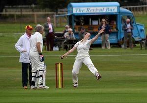 Partido de Cricket Moira Comfort Derek Bell Nick Goozee