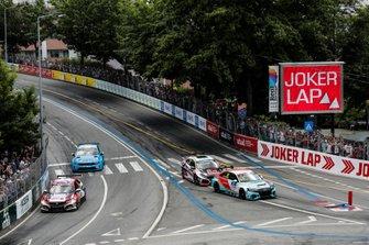 Tiago Monteiro, KCMG Honda Civic Type R TCR, Jean-Karl Vernay, Leopard Racing Team Audi Sport Audi RS 3 LMS, Néstor Girolami, ALL-INKL.COM Münnich Motorsport Honda Civic Type R TCR