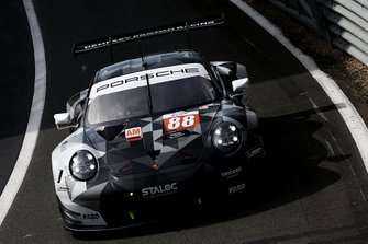 #88 Dempsey-Proton Racing Porsche 911 RSR: Thomas Preining, Gianluca Giraudi, Ricardo Sanchez