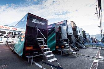 Renntransporter: SIC Racing Team