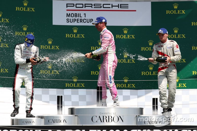 Podium: Race winnaar Michael Ammermüller, BWT Lechner Racing, tweede Michael Ammermüller, BWT Lechner Racing, derde Larry ten Voorde, MRS GT-Racing