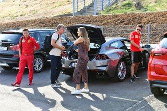 Charles Leclerc, Ferrari arriva al circuito con la fidanzata Giada Gianni