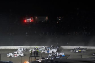 Devin Dodson, Reaume Brothers Racing, Chevrolet Silverado and Austin Hill, Hattori Racing Enterprises, Toyota Tundra United Rentals wreck