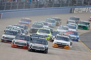 Derek Kraus, McAnally Hilgemann Racing, Toyota Tundra THOROGOOD, Austin Hill, Hattori Racing Enterprises, Toyota Tundra JBL